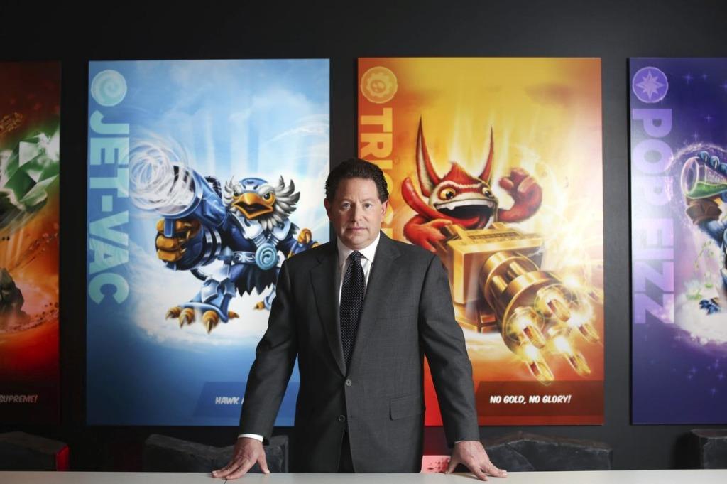 Prezes Activision na tle Skylanders