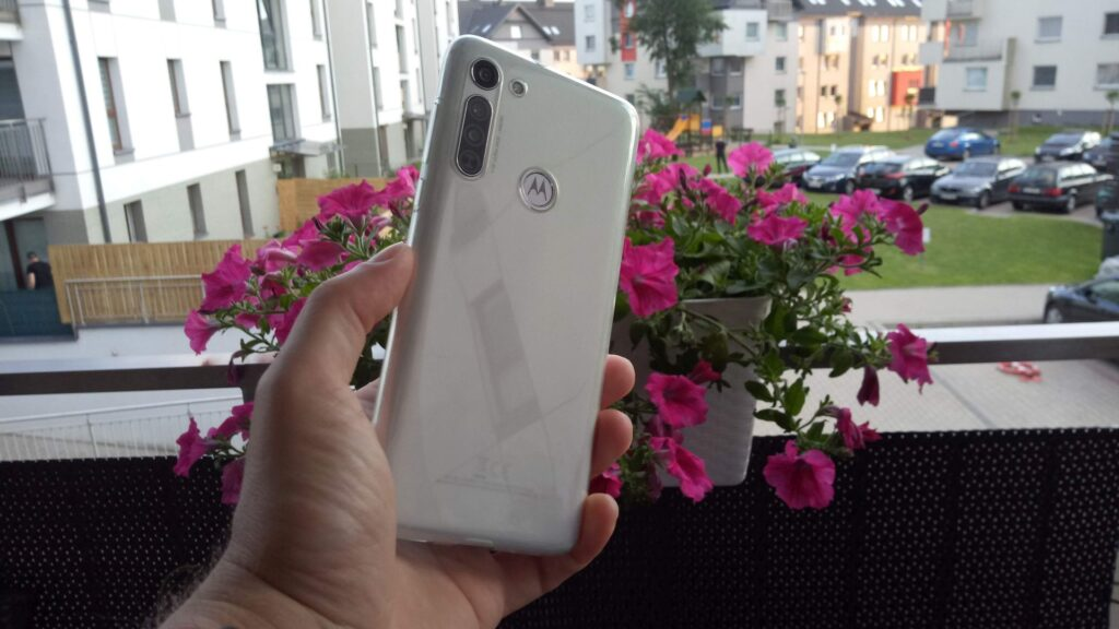 Motorola G8 test